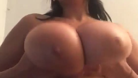 Creamy boobs and daytime pussy play