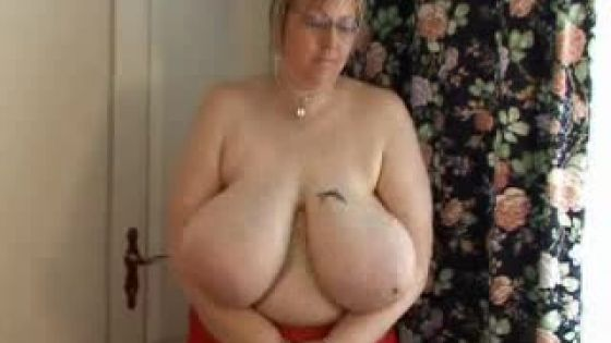 Home Video Tiffany Jiggles