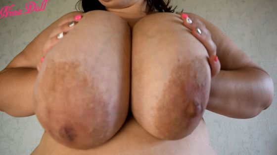worship those huge motherfuckers by BBW