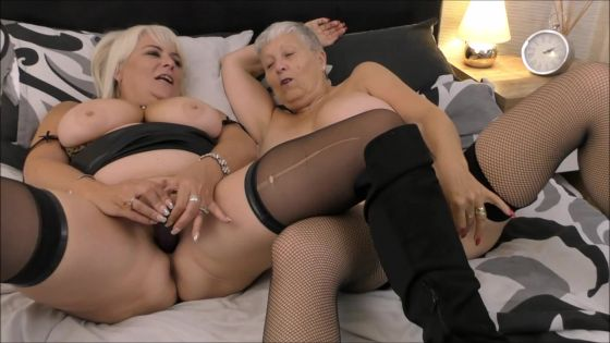 Mature Lesbian Toy Play