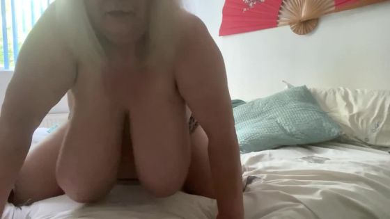 SARITA BOOB SLAPPING  PART 1 mp4