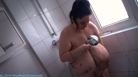 Soapy Boobs and Swinging Tits in the Shower with Alice