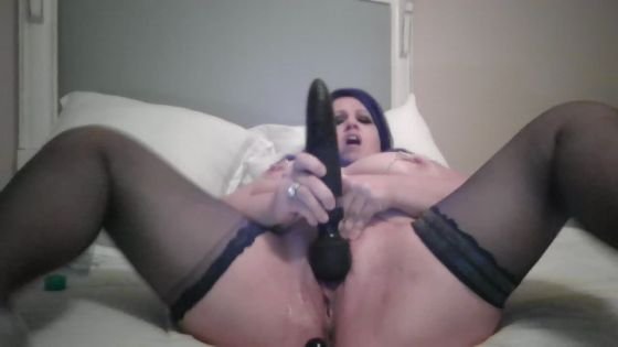 Sub Whore Squirts for Master