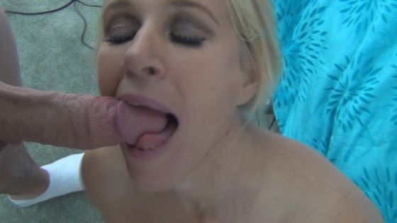 Pornstar Totally Tabitha blow job