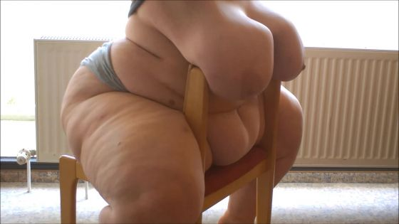 my fat body vs a chair